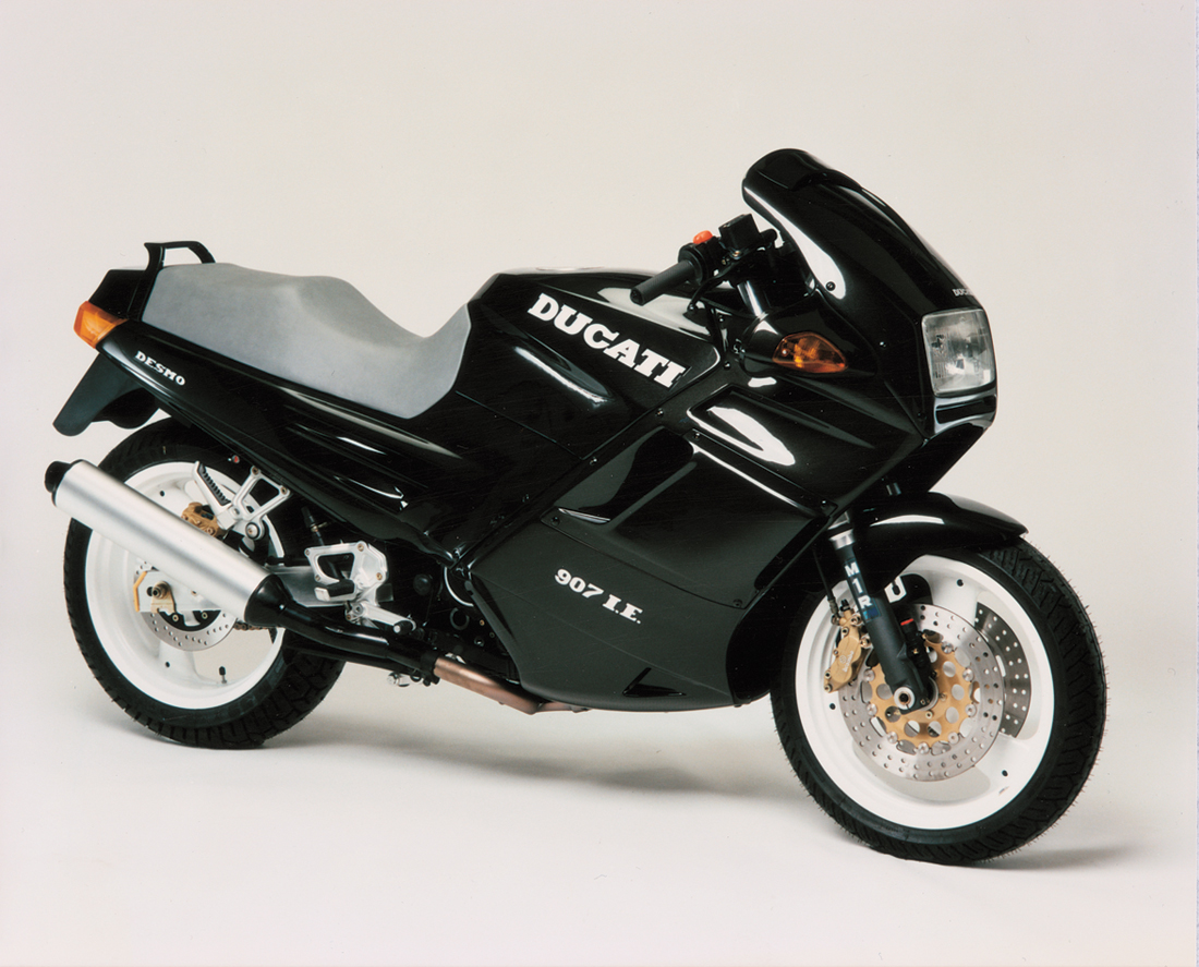 m11-automobiles-ducati-la-ferrari-des-motos-01