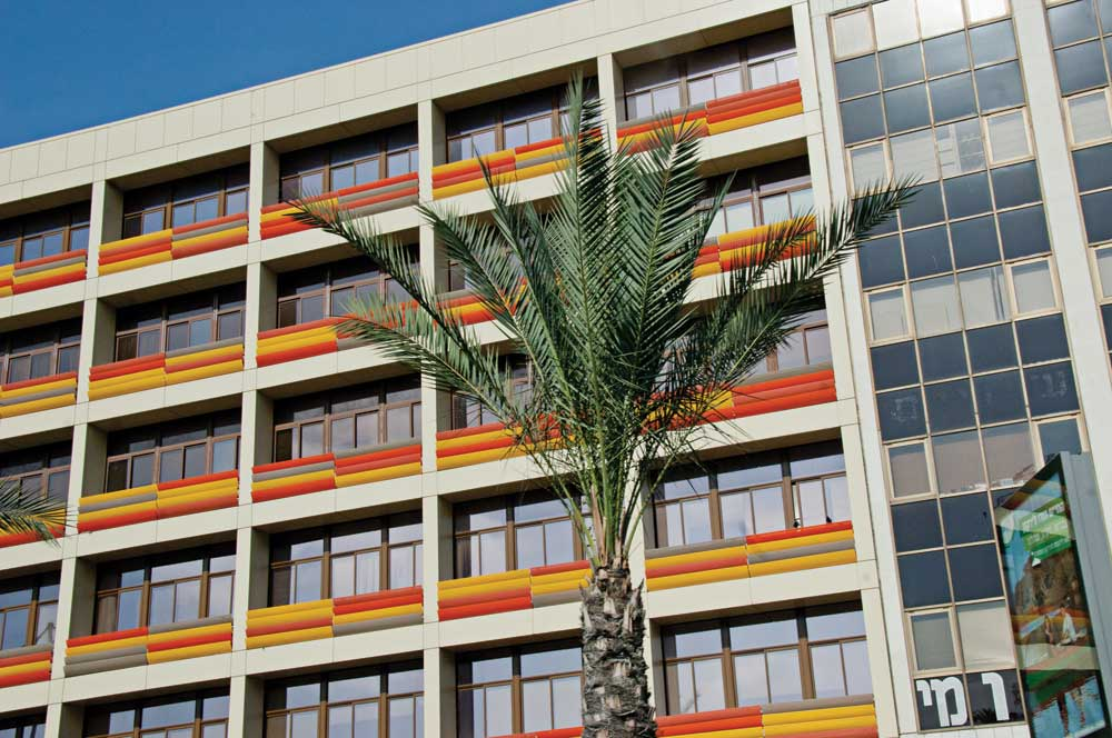 Examples of Bauhaus architecture. Not all the buildings have been well maintained, but little by little, Tel-Aviv is rebuilding and re-beautifying.