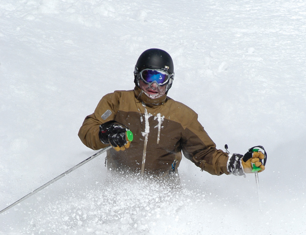 Enjoying powder skiing ! Sol Moutain, BC