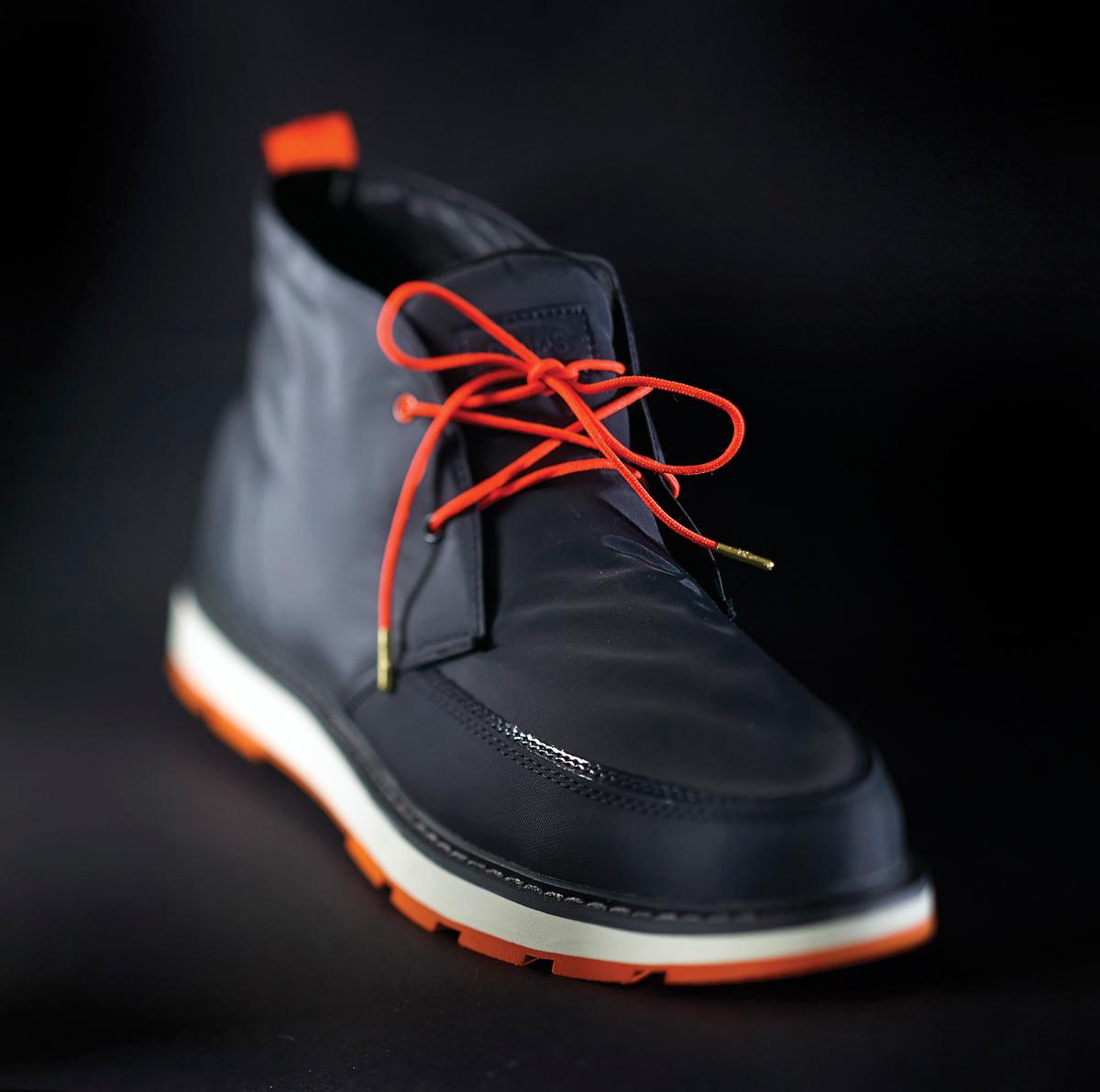 m13-accessoires-lui-chaussures-swims