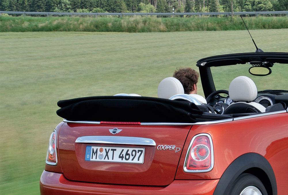 La Mini a de nombreux adeptes chez les amateurs de cabriolet, amusante à conduire.