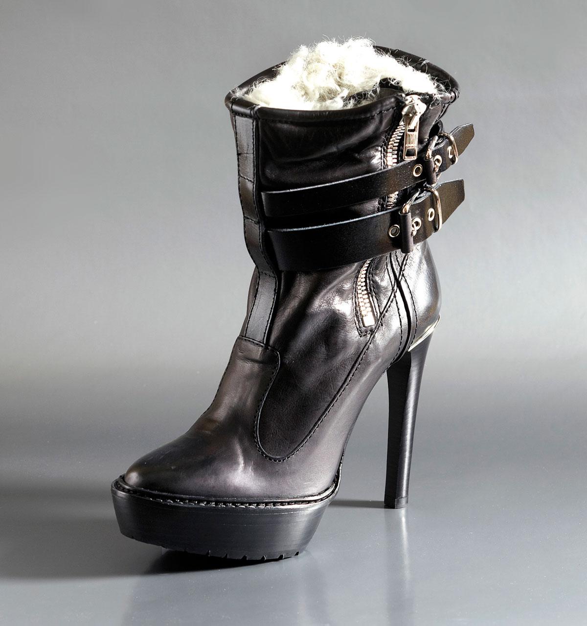 m09-bottillon-boots-burberry