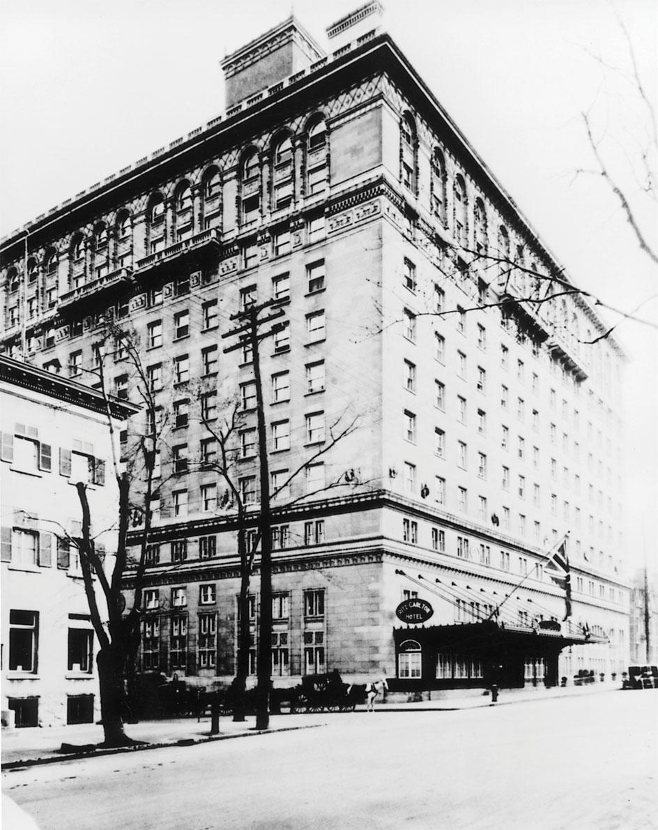 m10-institution-hotel-ritz-carlton-100-ans-01