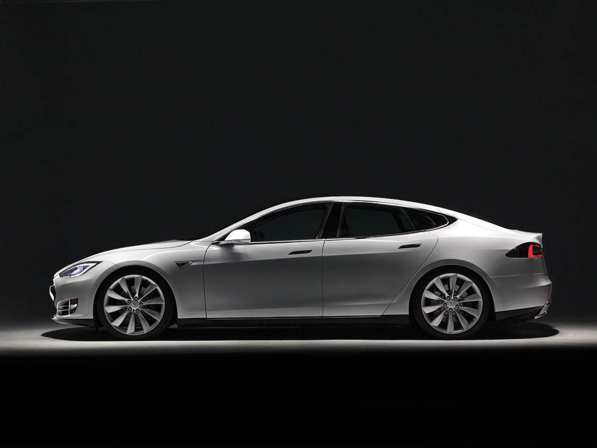 m12-automobiles-tesla-white-model-s-black-back