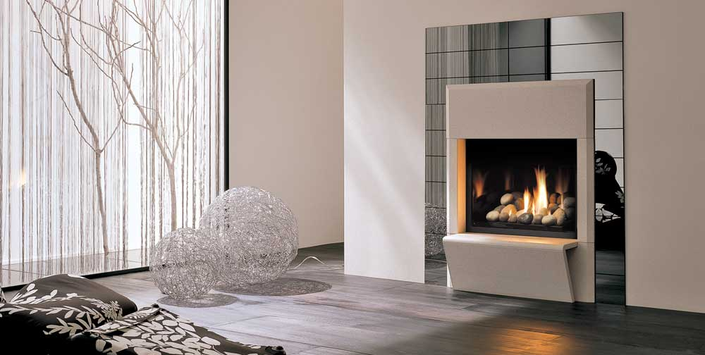 The Napoli mantle with the Solace 36 gas fireplace, by Palazzetti.